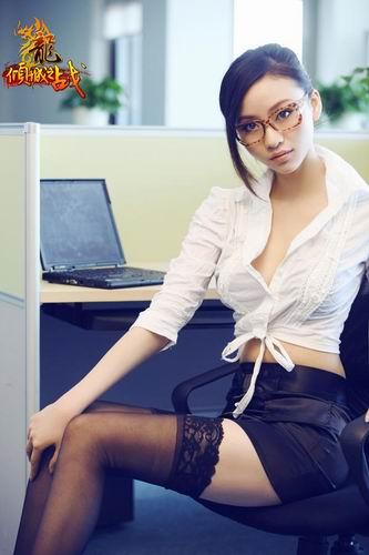东华cos_杜拉拉的贴身女秘 《龙》校花MM的甜美COS_网络游戏新闻_17173.com ...